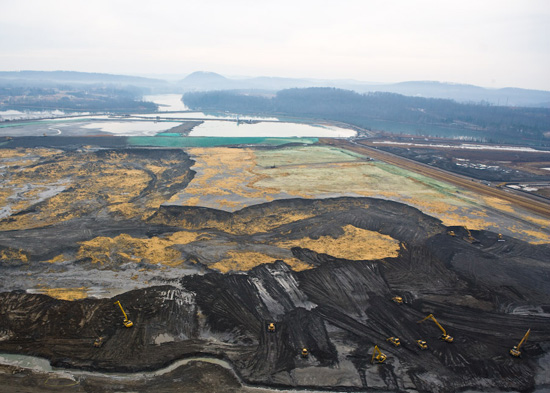 Clean-up operations of the massive 2008 Kingston, TN, coal ash spill. (TVA)