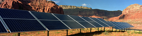 Modern transmission systems must be able to handle the needs of renewable energy. (Warren Gretz / NREL)