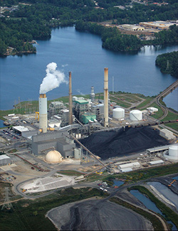 Progress Energy's coal-fired power plant on Lake Julian. (Courtesy of San Pedro River Educational)