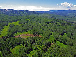 The debate over the Thompson Divide focuses on its future. (EcoFlight)