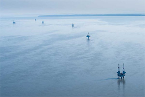 These oil platforms in Cook Inlet, AK, are what we could expect to see in the Chukchi and Beaufort Seas if oil development projects proceed. (Photo: (c) Florian Schulz / visionsofthewild.com)