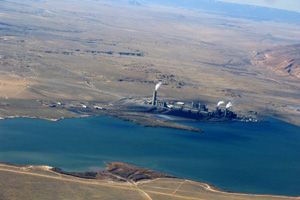 The Four Corners Power Plant burns coal to produce electricity using outdated and ineffective pollution control technology. (Photo courtesy of Ecoflight.)
