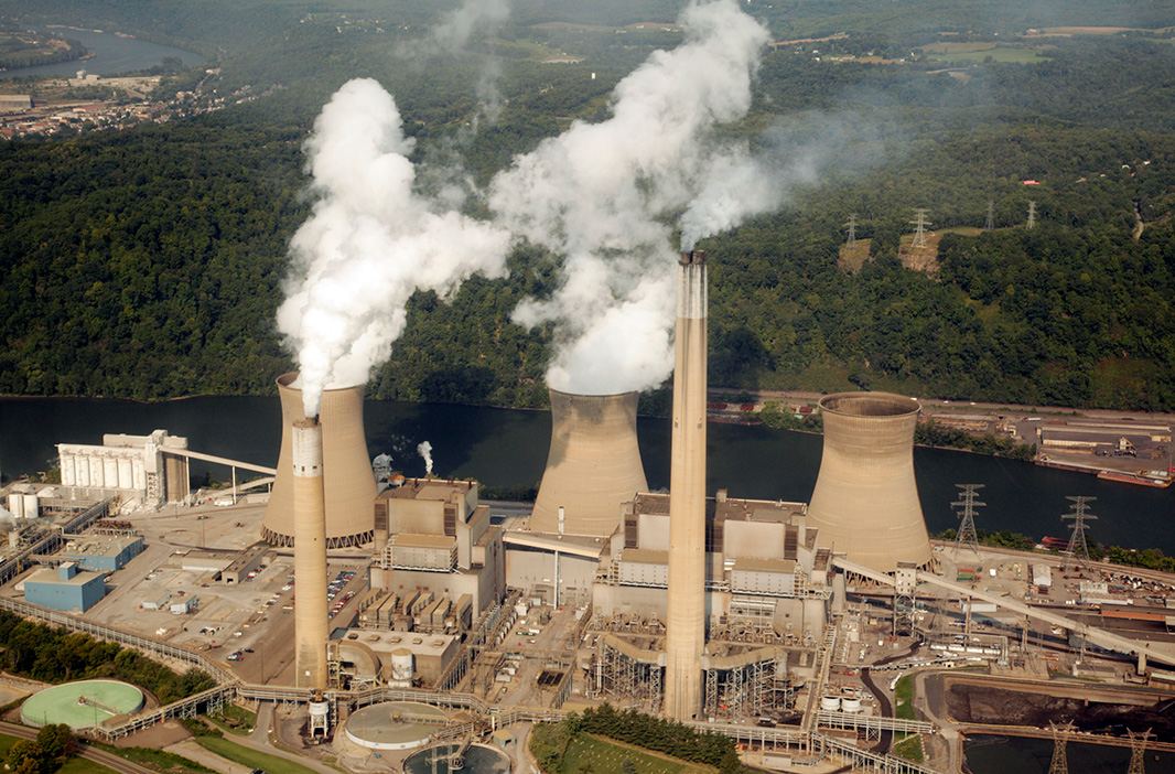 The Bruce Mansfield coal-fired power plant in Pennsylvania.