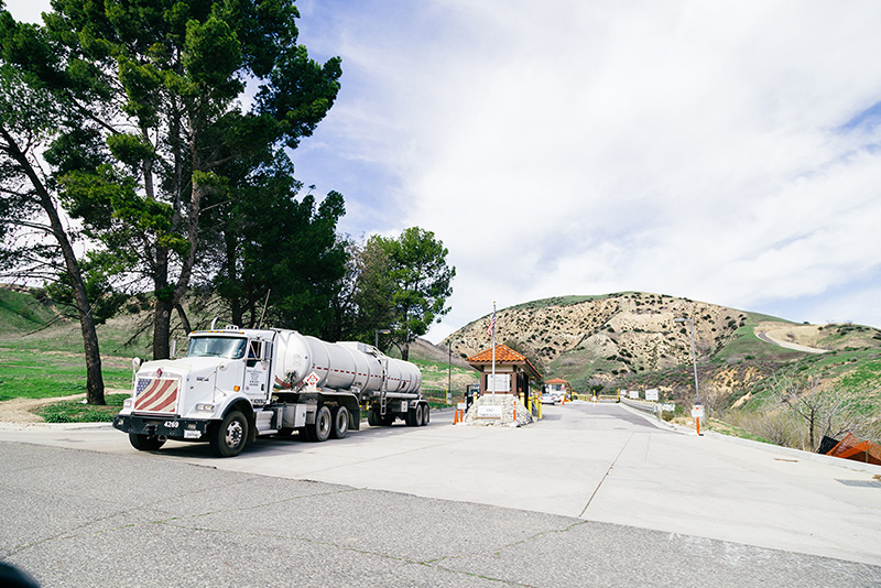 A truck leaves the Aliso Canyon facility on January 29, 2016.