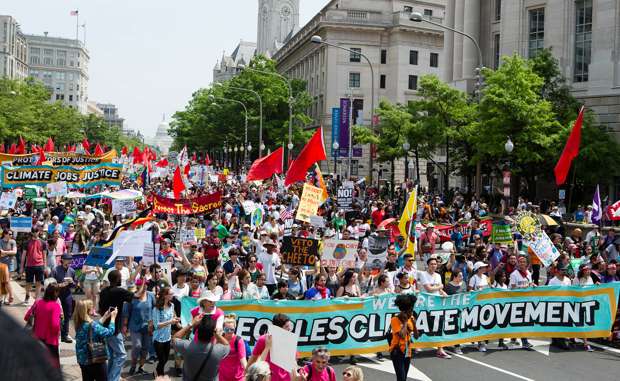 The Peoples Climate March in Washington, D.C., April 29, 2017. (Chris Jordan-Bloch / Earthjustice)
