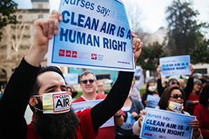 Members of the California Nurses Association march to a rally outside an EPA hearing on ozone pollution standards in Sacramento, CA, on Feb. 2, 2015. (Chris Jordan-Bloch / Earthjustice)