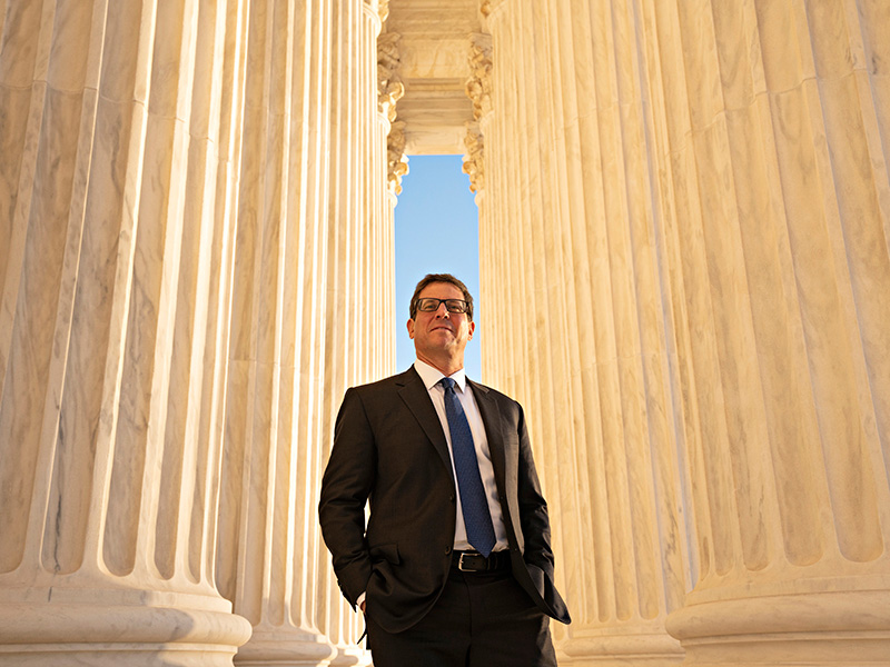 Attorney David Henkin, based in Earthjustice's Honolulu office, has worked for more than two decades to defend Hawaiʻi's flora and fauna. He defended our nation's clean water at the U.S. Supreme Court.