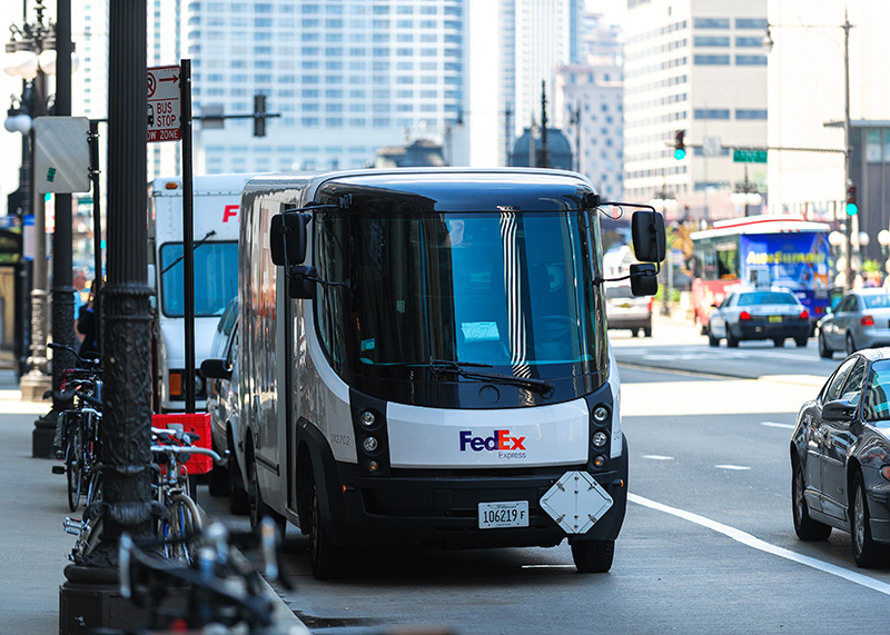 Electric FedEx delivery truck in Illinois.