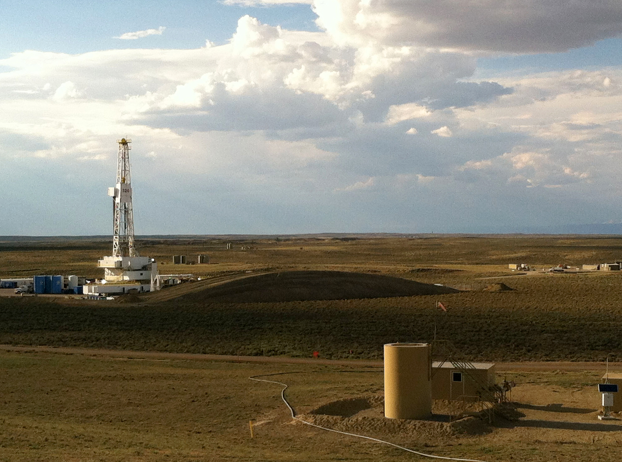 Fracking wells in Wyoming