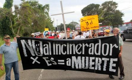 >Protesters gather to march against the incinerator in Arecibo.