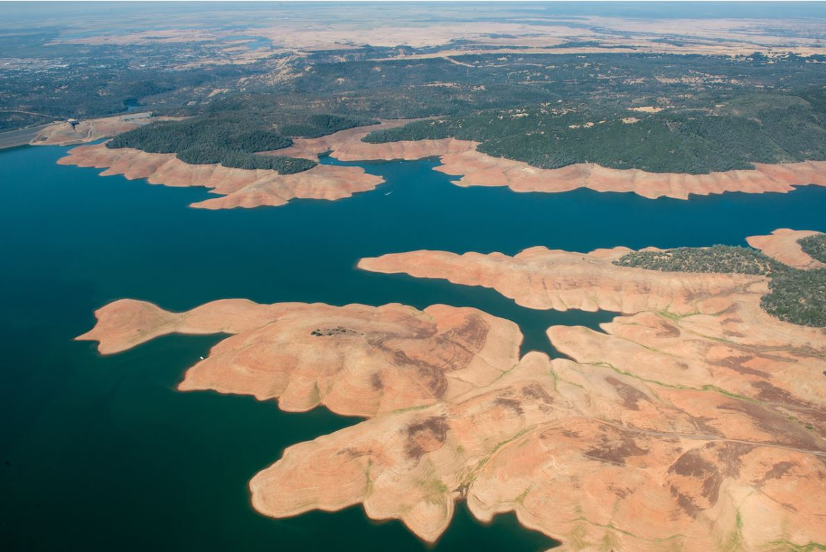 Low water levels after years of drought drain Lake Oroville in 2015.