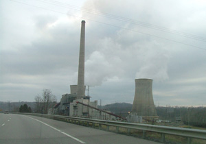 Big Sandy coal plant. (Chris M / Flickr)