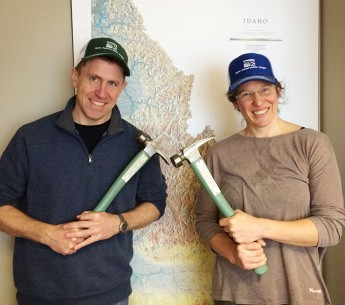 Earthjustice attorneys Jan Hasselman and Amanda Goodin after receiving the Green Hammer award.
