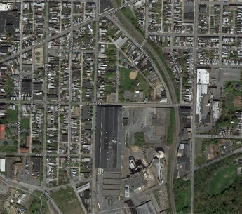 The Evergreen Community Power Plant (located at bottom center in the above image) is a small power plant that emits toxic chemicals, including lead and mercury. But the nearby community may not even know it's there because the facility avoids public discl