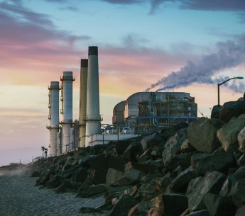 Despite clear direction by the Los Angeles City Council to move the city towards 100% renewable energy, the Los Angeles Department of Water and Power plans to dump money into new and costly fossil fueled power plants.