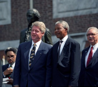 President Bill Clinton with Nelson Mandela at the Independence Hall in Philadelphia, PA, July 4 1993.