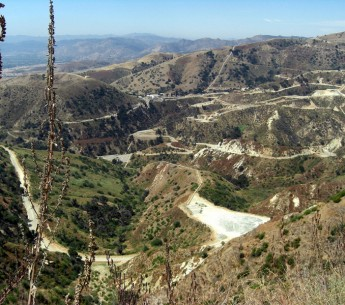 The Aliso Canyon gas and oil field, photographed from Mission Point.