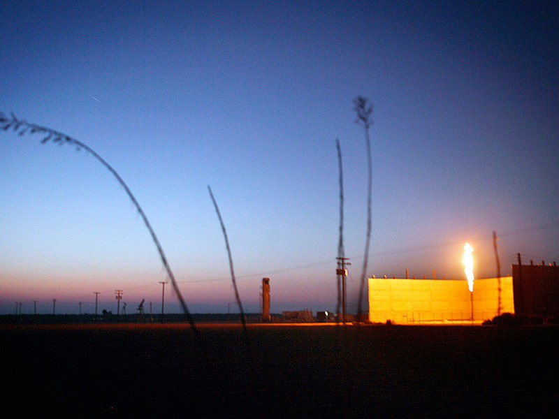 Flaring at a drilling rig near Bakersfield, CA.