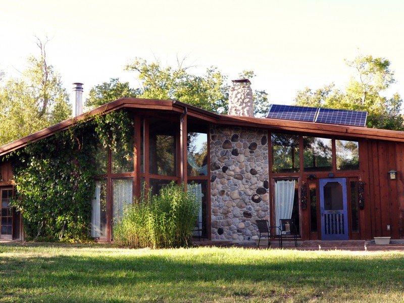 A house in New Mexico with solar panels