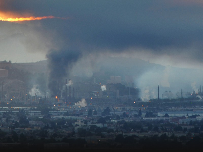 A large fire at Chevron's refinery in Richmond, California, on August 6, 2012.