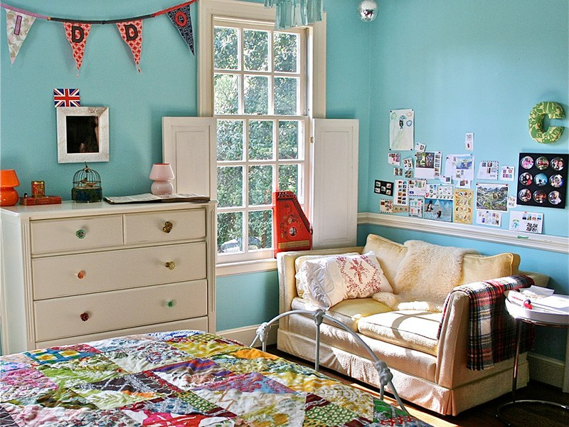 A baby's room.