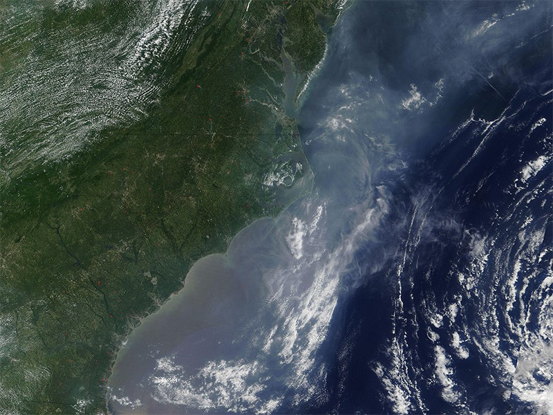 Hazy air covers the eastern United States.