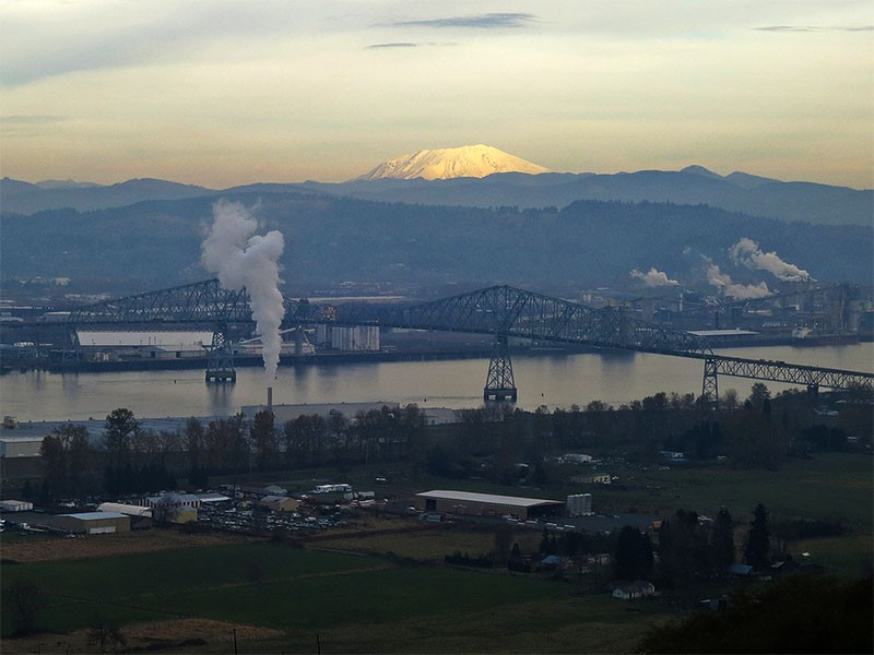 Longview, WA. In addition to worsening global warming, the transport of coal from mines in the interior U.S. to coastal export facilities threatens public health for those along the rail lines.