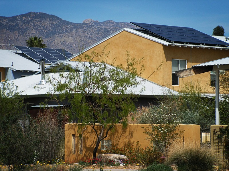 A home in Tucson, Ariz., with rooftop solar panels.