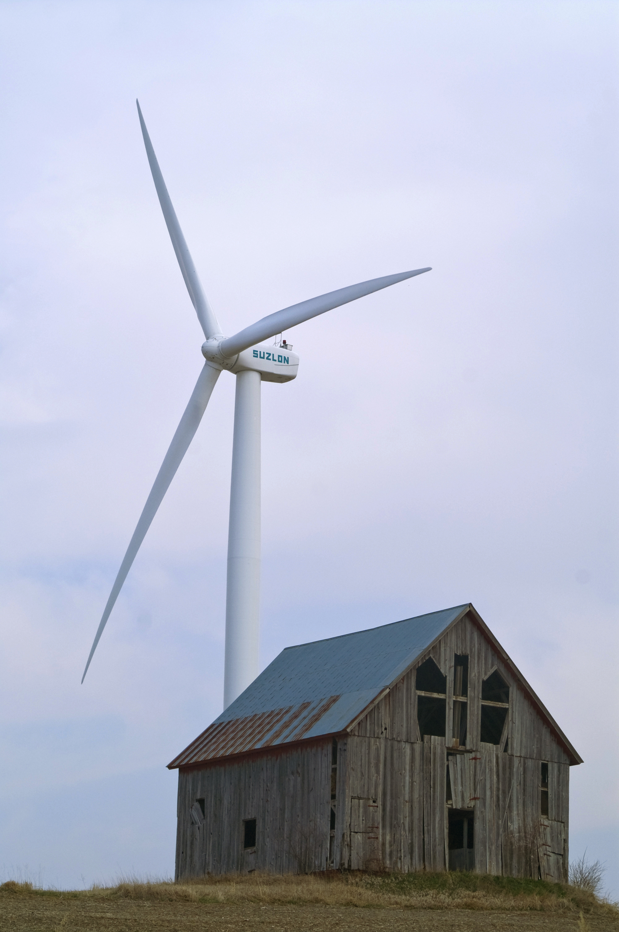 Wind turbine near Rock Port, Missouri.